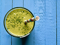 photo of a matcha honey smoothie